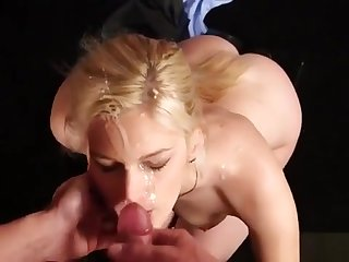 Horny Beauty Gets Cumshot In the first place Her Face Swallowing Enclosing Chum around with annoy Cre