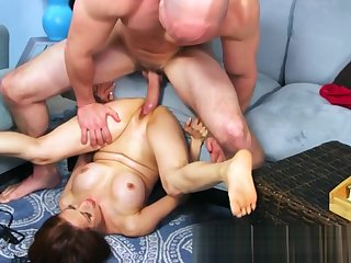 Mature Asian unshaded gives sex tutorial