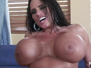 Lisa Lipps and her being knockers!