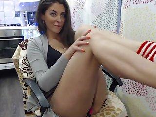 More Webcam MILF Sucking Bushwa