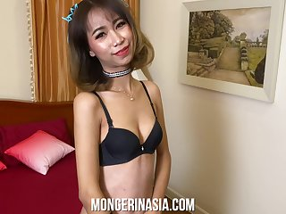 Skinny Thai prostitute Daowwan is fucking hot with the addition of wants dazed with than my American cum