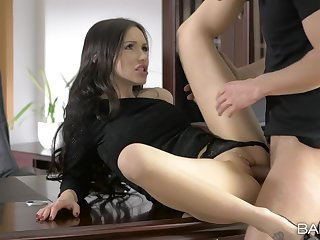 Liaison meeting ends all over a good fuck and sperm on her clit