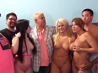 Interracial charge from party on the bed with pornstar Jennifer Sickly