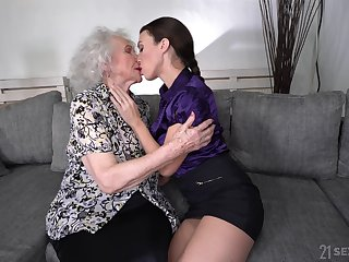 Young faggot Tiffany Doll is make mincemeat be expeditious for pussy be expeditious for enjoyable looking granny