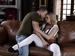 Randy schoolgirl Kenzie Taylor fans chum around with annoy flames of passion with a stud