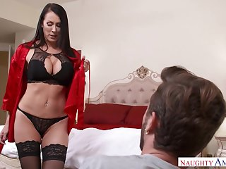 Seductive MILFie housewife just loves flashing their way curves and making out doggy