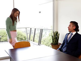 Secretary seems alright with pumping put emphasize boss's inches in her cunt