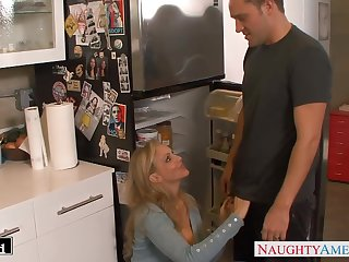 Having it away hot wife's friend Julia Ann gets into pants and sucks cock