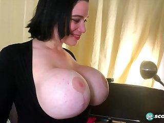 Jizz Drenching Brooklyn's Popular Tits - Straight